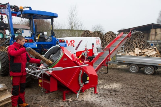 Wood sawing machines