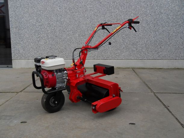 Vandy Roller 65B Roller with four-stroke engine